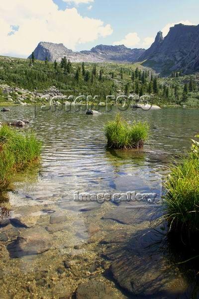 Горное озеро Радужное